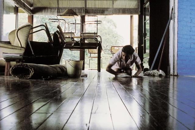 """Documentário """"Domésticas"""", de Gabriel Mascaro, relata dia a dia da categoria Foto: Cena do documentário 'Doméstica' / Divulgação"""