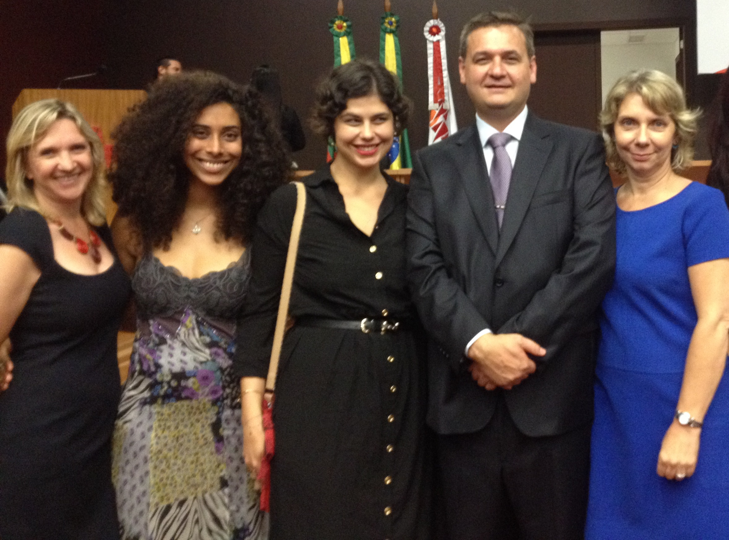 O novo presidente empossado da AJURIS, Gilberto Schäfer, com a equipe da ONG Themis.