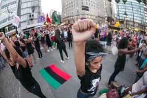 08/03/2016 - PORTO ALEGRE, RS - Atos no centro da cidade marcam o Dia Internacional da Mulher. Foto: Guilherme Santos/Sul21